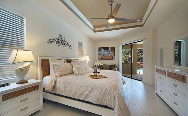 Großes Schlafzimmer im Cape Coral Haus