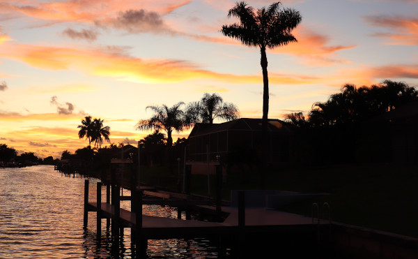 Sonnenuntergang in Cape Coral am Kanal