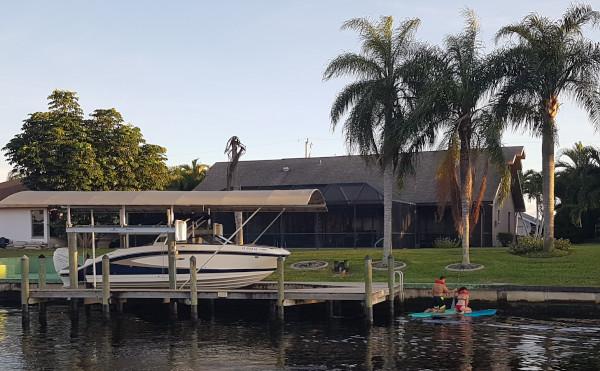 Cape Coral Ferienhaus in Südlage am Kanal