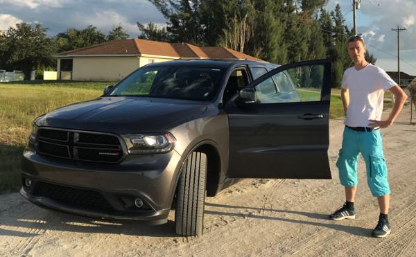 Grundstücksbesichtigung in Florida mit dem Auto