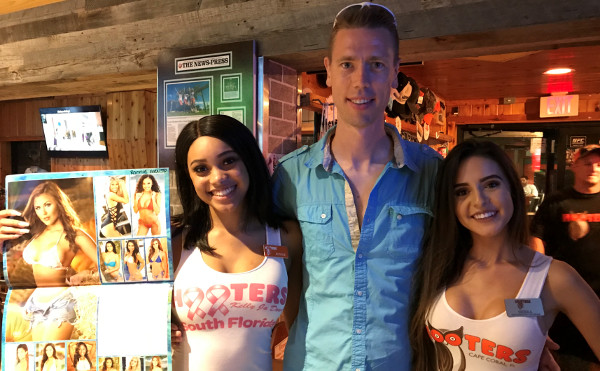 Hooters in Cape Coral