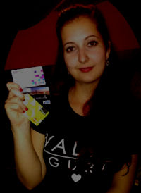 Adélka und 3 Bankkarten