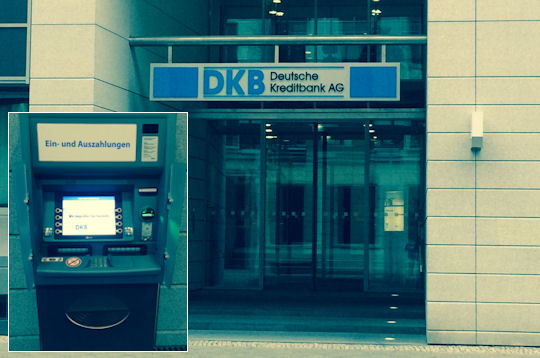 Ein- und Auszahlungsautomat der DKB in der Taubenstrasse 7-9