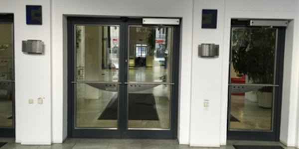 Schalter der DKB in der Filiale München