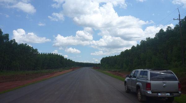 Neue Straße in Paraguay