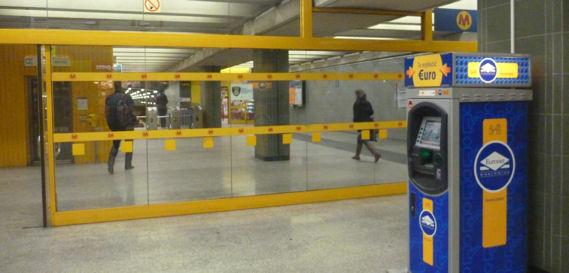 ATM in der Metro