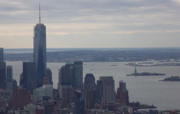 Freedom Tower und Freiheitsstatue