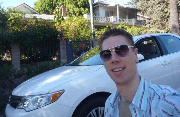 Gregor mit Mietwagen in Hollywood
