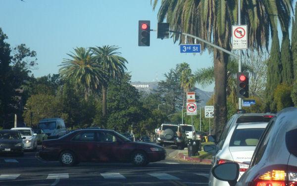 Hollywood Sign weit weg