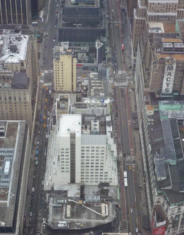 Spielzeugautos vom Empire State Building