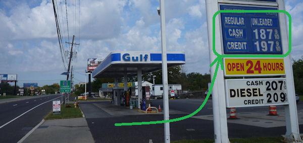 Preisunterschied an Tankstelle in den USA