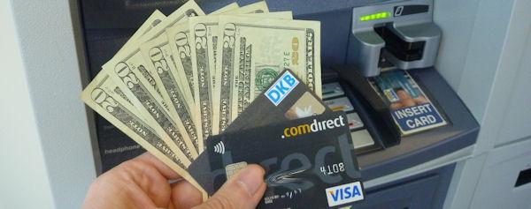 Rente im Ausland am Geldautomaten abheben (kostenlos)