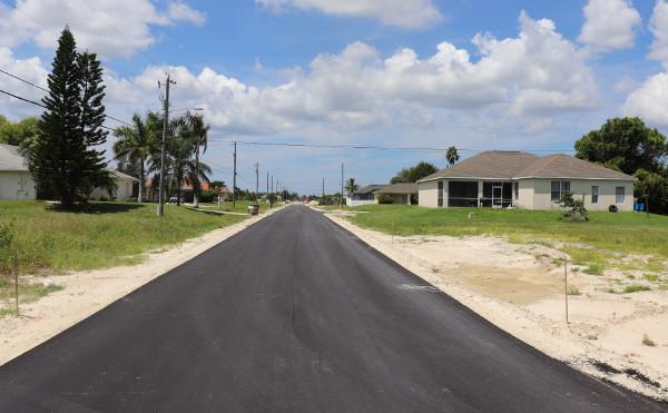 Cape Coral 6th Straße mit Blick nach Westen